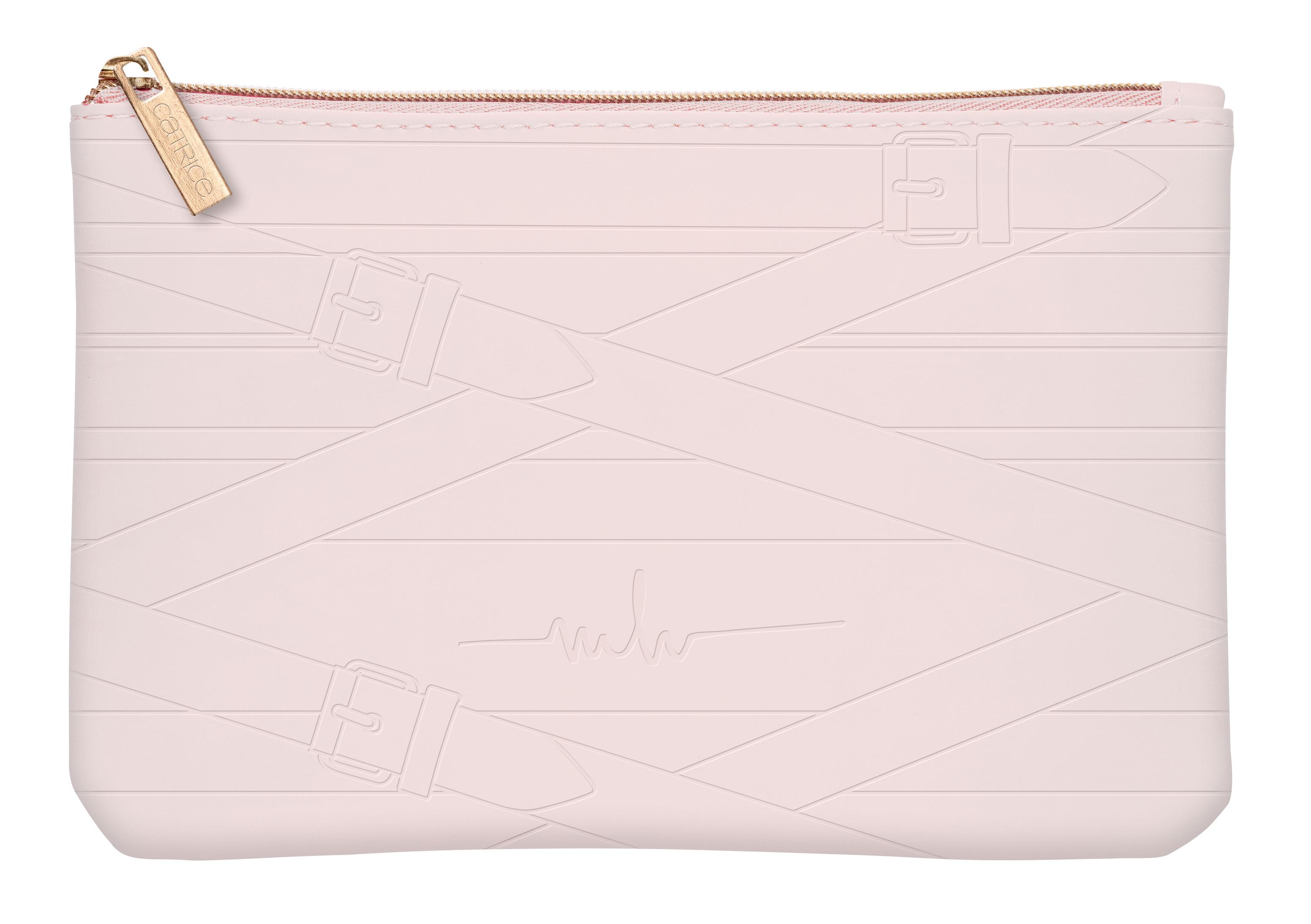 Catrice Marina Hoermanseder Beauty Bag in einem leichten zart Rosa